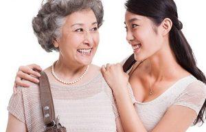 Ứng xử với mẹ chồng là một kỹ năng giao tiếp đặc biệt