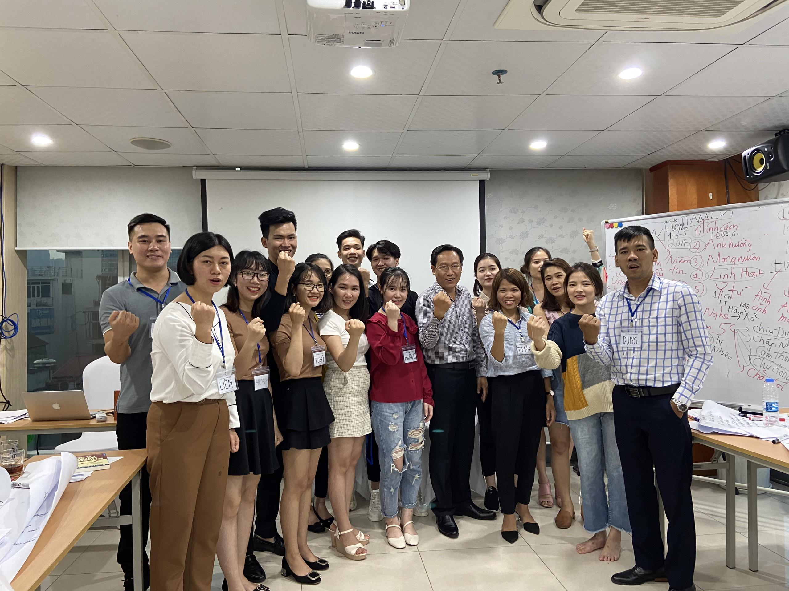 """Đào tạo public: """"kỹ năng giao tiếp bán hàng và CSKH Hhiệu quả"""" tại Hà Nội tháng 11 năm 2019"""