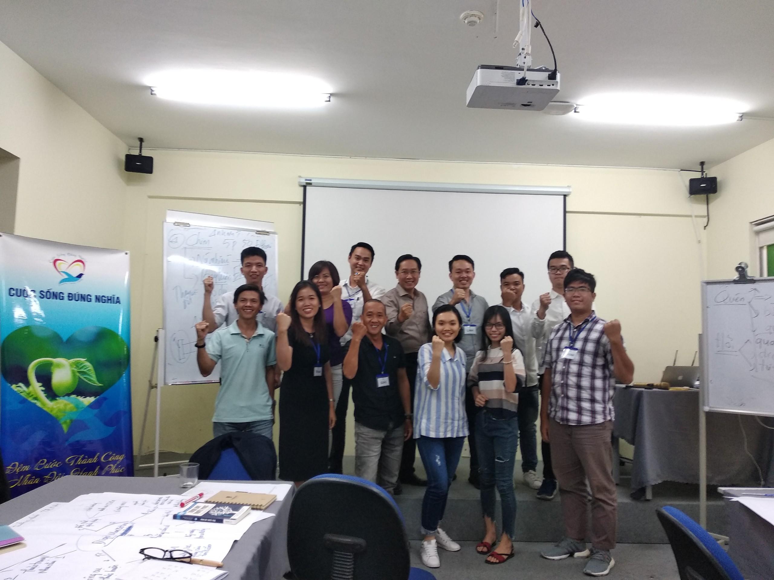 """Đào tạo public: """"kỹ năng giao tiếp thuyết trình thuyết phục"""" tại Hồ Chí Minh tháng 12 năm 2019"""