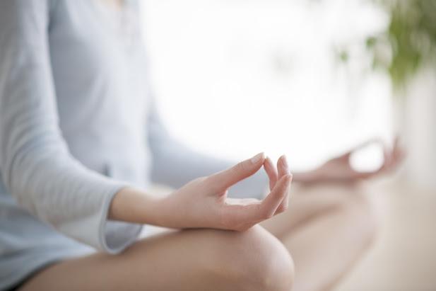 meditation-pose_178645091