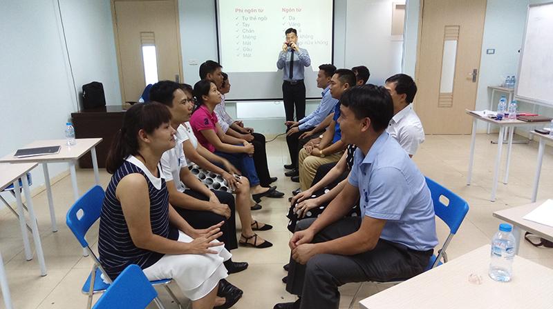 """Đào tạo public: """"Kỹ Năng Bán Hàng và Chăm Sóc Khách Hàng Hiệu Quả"""" tại Hà Nội"""