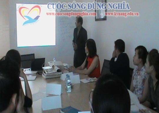 dao-tao-ky-nang-ban-hang-cuoc-song-dung-nghia-3