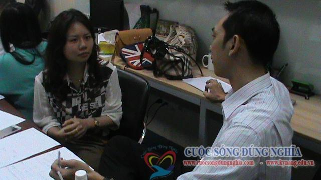 dao-tao-ky-nang-ban-hang-giao-tiep-ung-buou-8