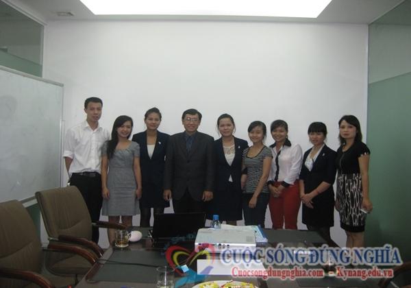 Đào Tạo Kỹ Năng Bán Hàng Tập Đoàn Nữ Trang Pranda