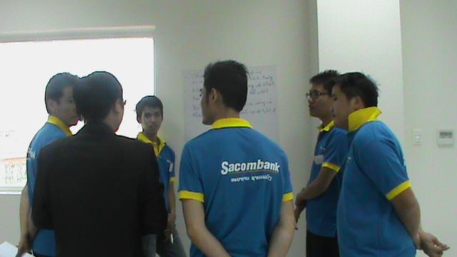 dao-tao-sacombank-lao-8