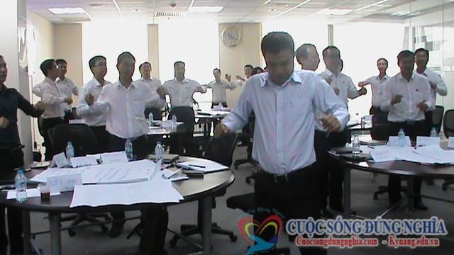 dien-gia-tran-dinh-tuan-dao-tao-dam-phan-thuong-luong-sacombank-6