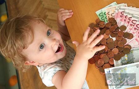 Kỹ năng cần dạy bé về tiền trước tuổi lên 7