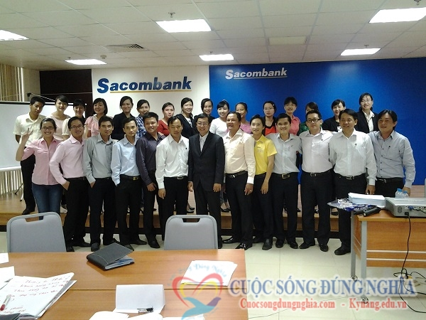 """sacombank CEO Trần Đình Tuấn: """"Có giá trị rồi thì tiền tự tìm đến với mình"""""""