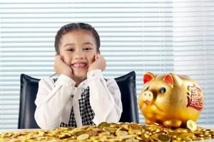 tien 300x199 Kỹ năng cần dạy bé về tiền trước tuổi lên 7